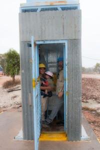 A to dla turystów z obciążeniami - winda w szybie. Takie przepisy BHP...